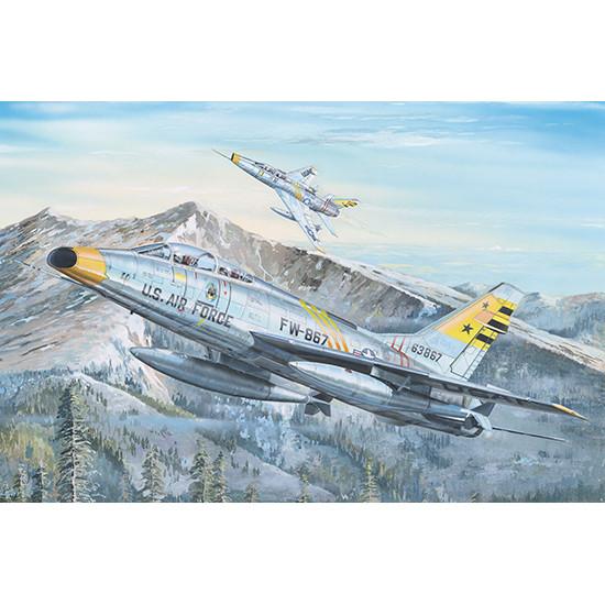 Trumpeter 02246 Сборная модель самолета F-100F Super Sabre (1:32)