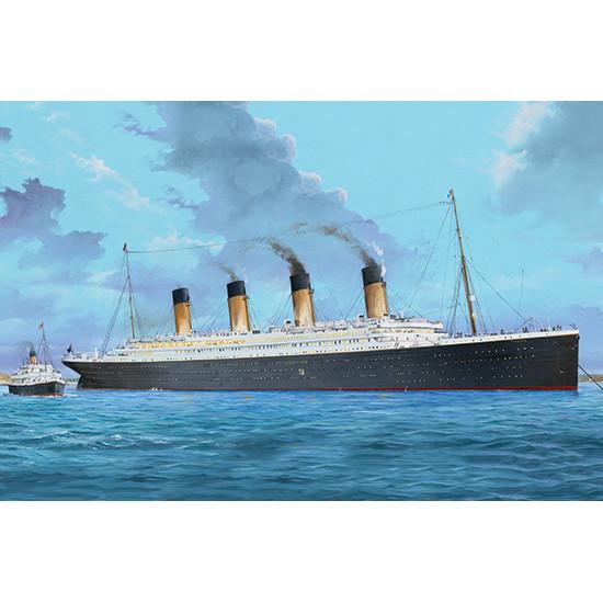 Trumpeter 03719 Сборная модель корабля Titanic W/LED (1:200)