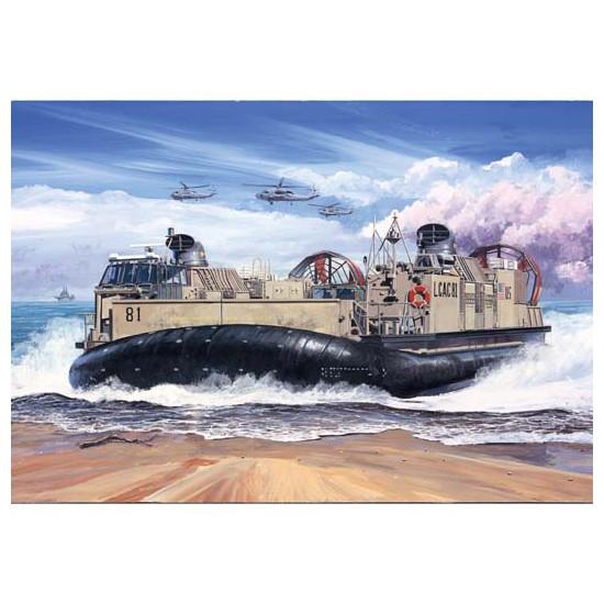 Trumpeter 07302 Сборная модель корабля USMC Landing Craft Air Cushion (LCAC) (1:72)