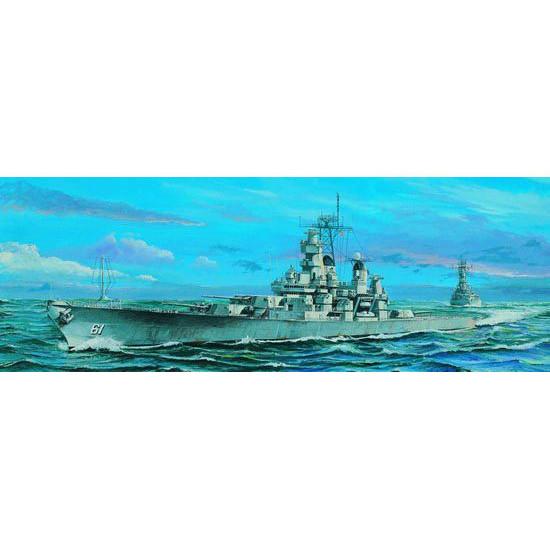 Trumpeter 05701 Сборная модель корабля US Battleship BB-61 Iowa 1984 (1:700)