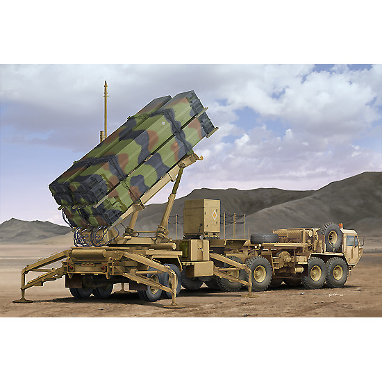 Trumpeter 01037 Сборная модель РС M983 HEMTT&M901 Launching Station of MIM-104F0 Patriot SAM System (PAC-3) (1:35)